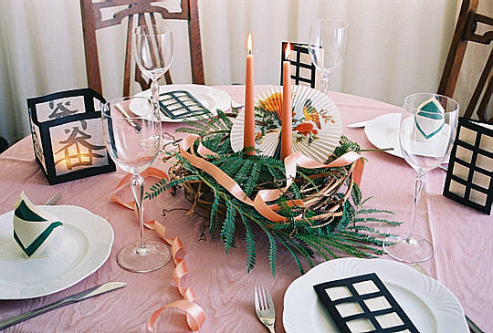 Restaurant oder Raum für die Hochzeit saisonbedingt dekorieren
